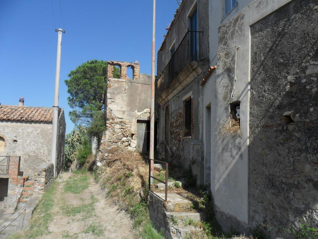 Bilocale Santa Lucia del Mela Via Serri 6