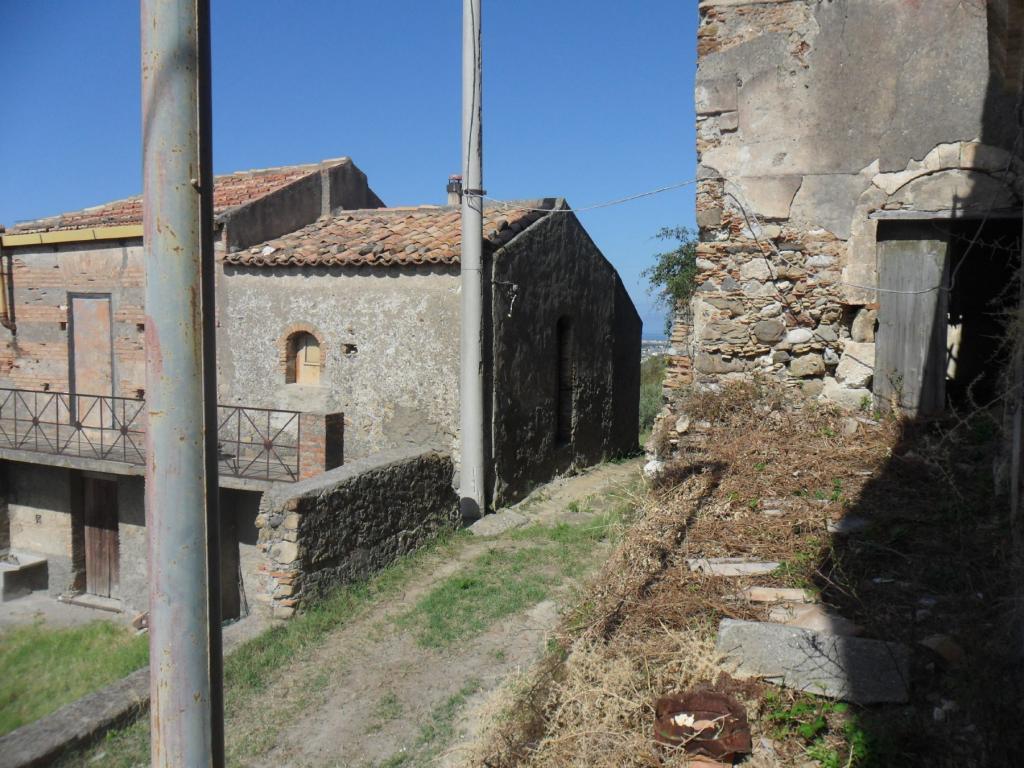 Bilocale Santa Lucia del Mela Via Serri 8