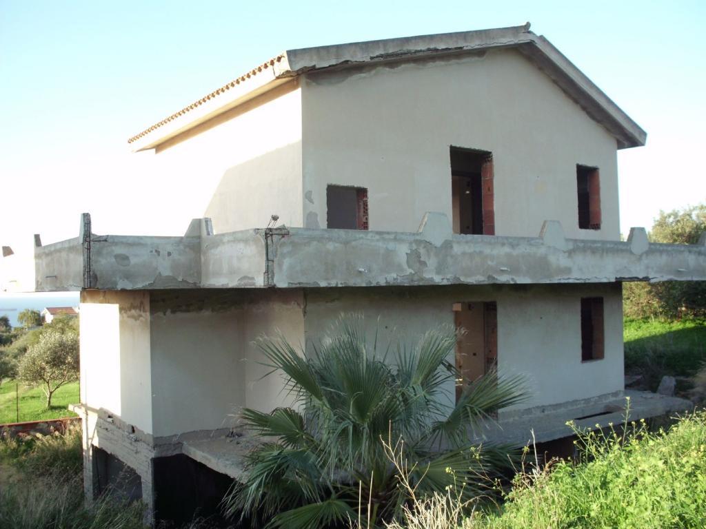 Villa vendita VENETICO (ME) - 5 LOCALI - 290 MQ