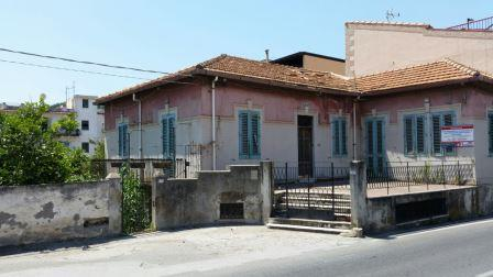Casa Indipendente vendita ROMETTA (ME) - 7 LOCALI - 250 MQ