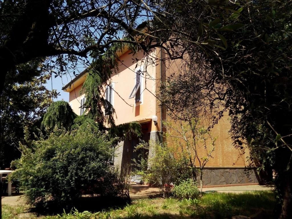 Villa in vendita a Montecarlo, 9 locali, zona Località: SanGiuseppe, prezzo € 450.000 | Cambio Casa.it