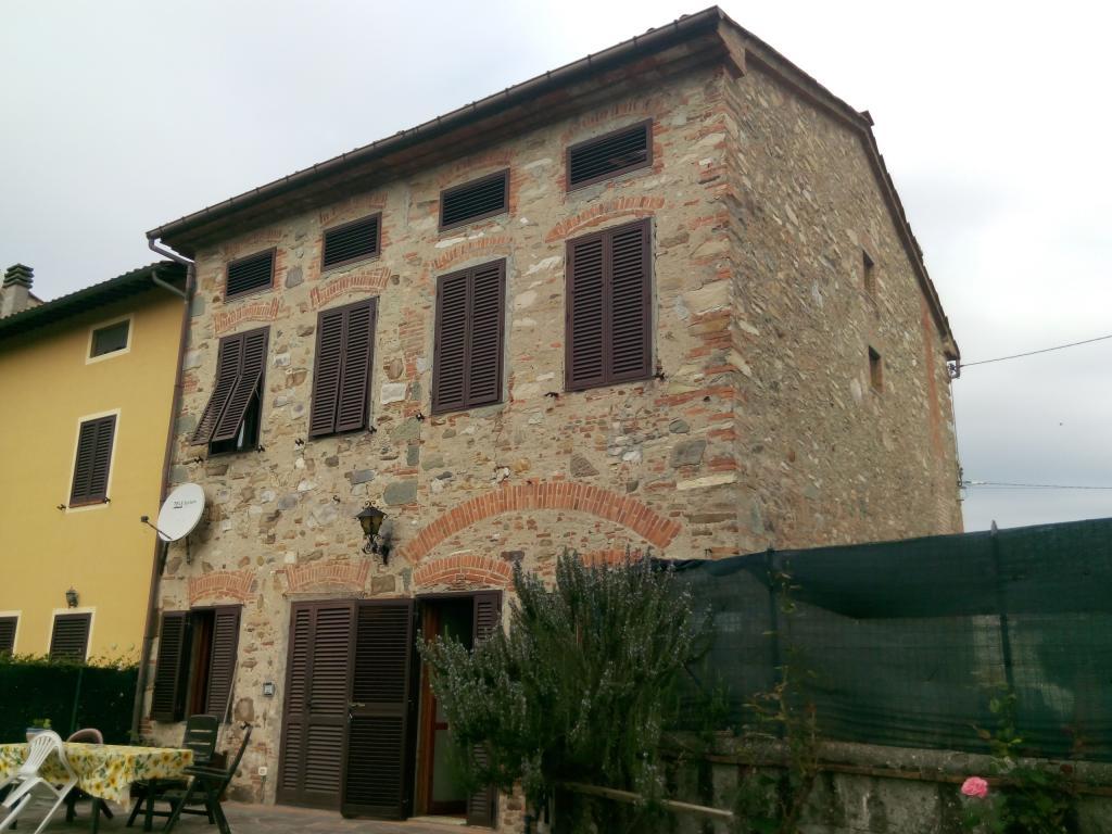 Rustico / Casale in vendita a Capannori, 11 locali, prezzo € 550.000 | Cambio Casa.it