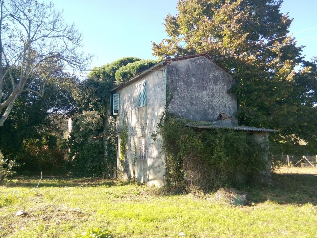 Rustico / Casale in vendita a Massarosa, 8 locali, zona Zona: Bargecchia, prezzo € 350.000 | Cambio Casa.it