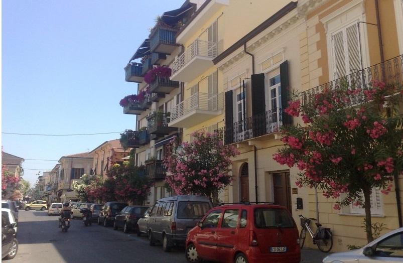 Appartamento in vendita a Viareggio, 3 locali, prezzo € 395.000 | Cambio Casa.it