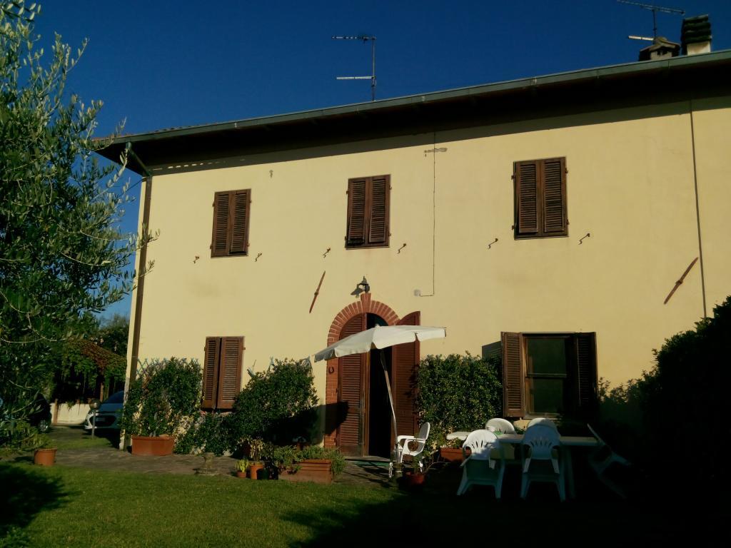 Rustico / Casale in vendita a Montecarlo, 5 locali, zona Zona: Fornace, prezzo € 399.000   Cambio Casa.it