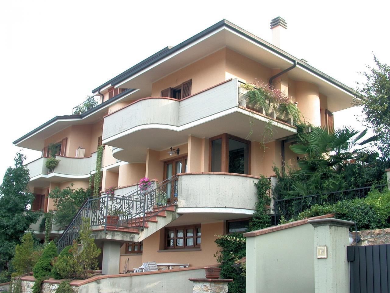 Villa Bifamiliare in vendita a Buggiano, 8 locali, zona Località: BorgoaBuggiano, prezzo € 495.000 | Cambio Casa.it