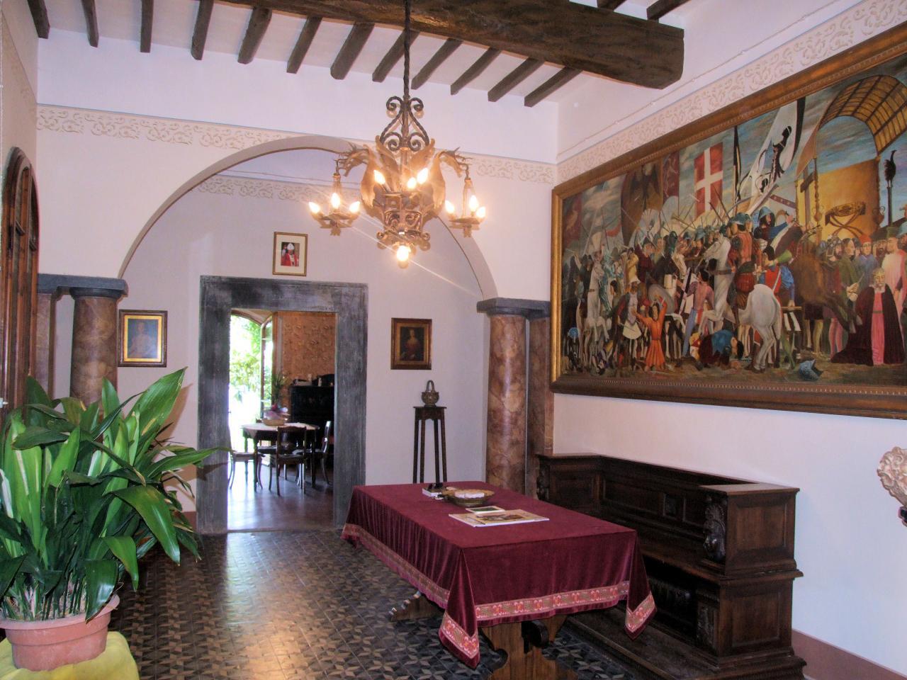 Palazzo / Stabile in Vendita a Montopoli in Val d'Arno