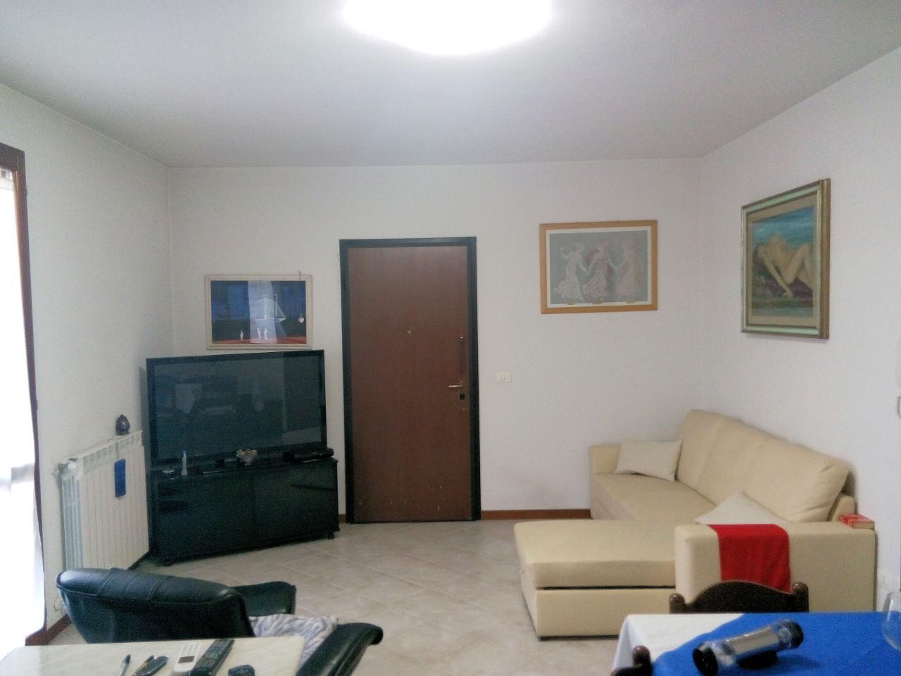Appartamento in vendita a Altopascio, 3 locali, zona Località: BadiaPozzeveri, prezzo € 95.000 | Cambio Casa.it