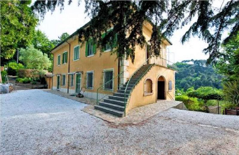 Villa in vendita a Camaiore, 11 locali, prezzo € 1.390.000 | CambioCasa.it