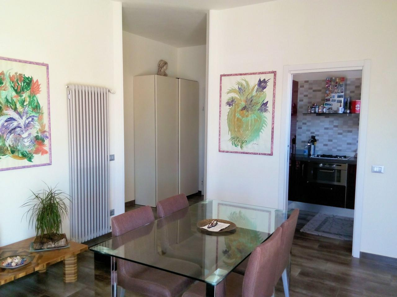 Appartamento in vendita a Viareggio, 3 locali, prezzo € 415.000 | Cambio Casa.it