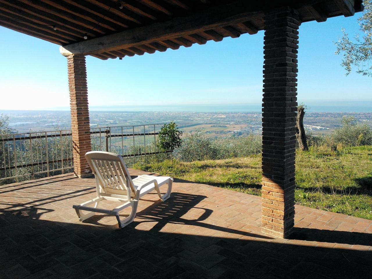 Rustico / Casale in vendita a Massarosa, 6 locali, zona Località: PianodiMommio, prezzo € 490.000 | Cambio Casa.it