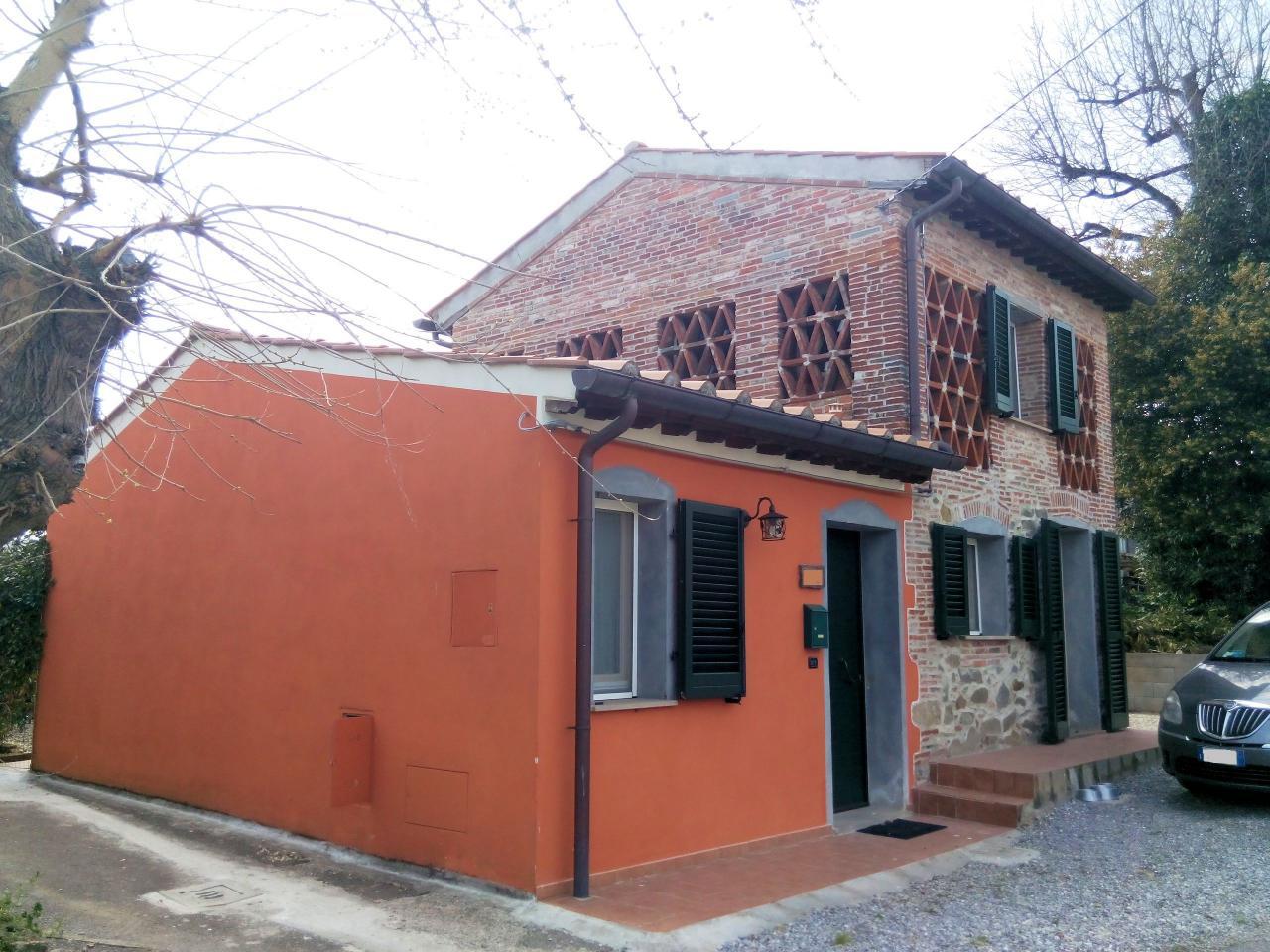 Rustico / Casale in vendita a Altopascio, 3 locali, zona Località: BadiaPozzeveri, prezzo € 139.000 | CambioCasa.it