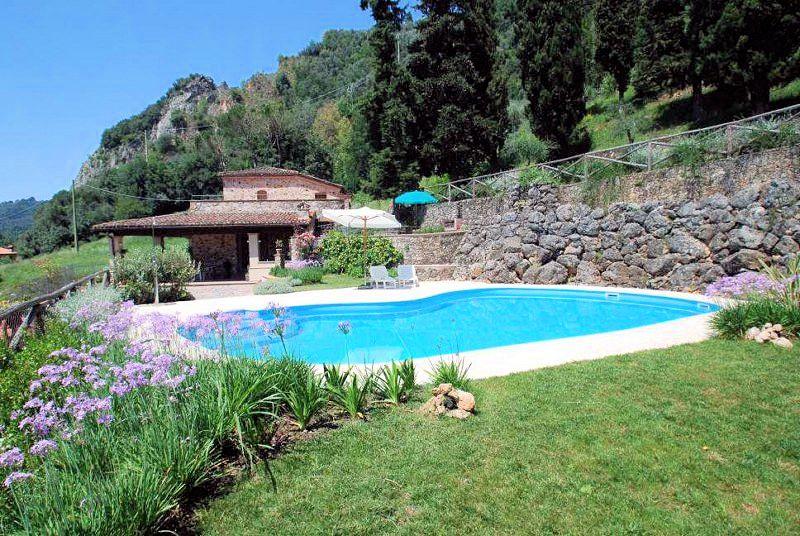 Villa in vendita a Camaiore, 5 locali, prezzo € 1.300.000 | Cambio Casa.it
