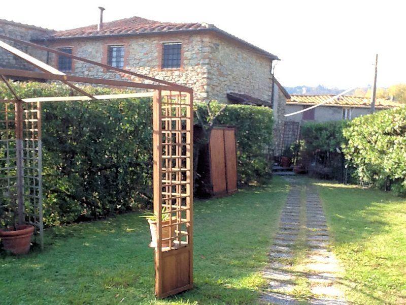Soluzione Semindipendente in vendita a Massarosa, 3 locali, zona Zona: Corsanico, prezzo € 340.000 | Cambio Casa.it