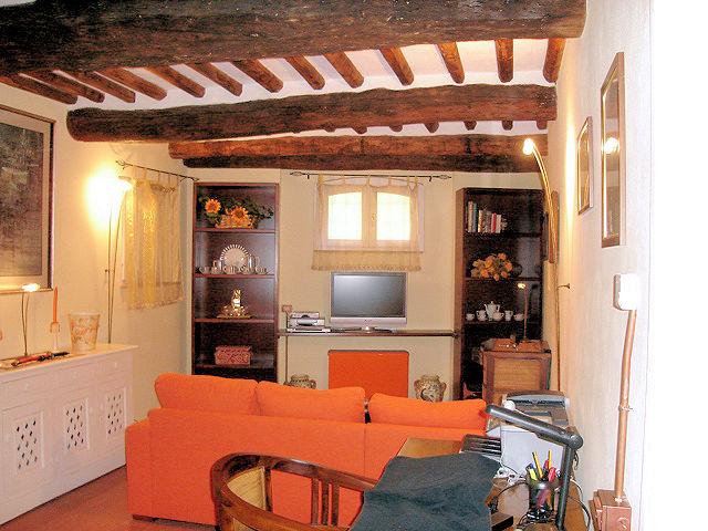 Appartamento in vendita a Lucca, 3 locali, zona Località: Centrostorico, prezzo € 210.000 | Cambio Casa.it