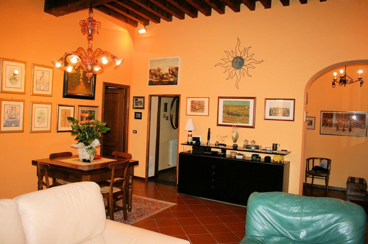 Appartamento in vendita a Lucca, 6 locali, zona Località: Centrostorico, prezzo € 490.000 | Cambio Casa.it