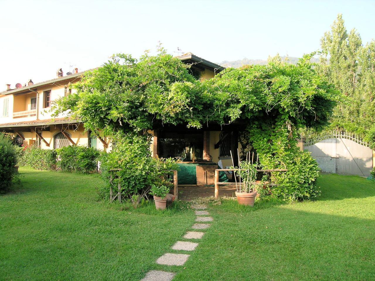Villa in vendita a Massarosa, 10 locali, zona Località: PianodiMommio, prezzo € 890.000 | Cambio Casa.it