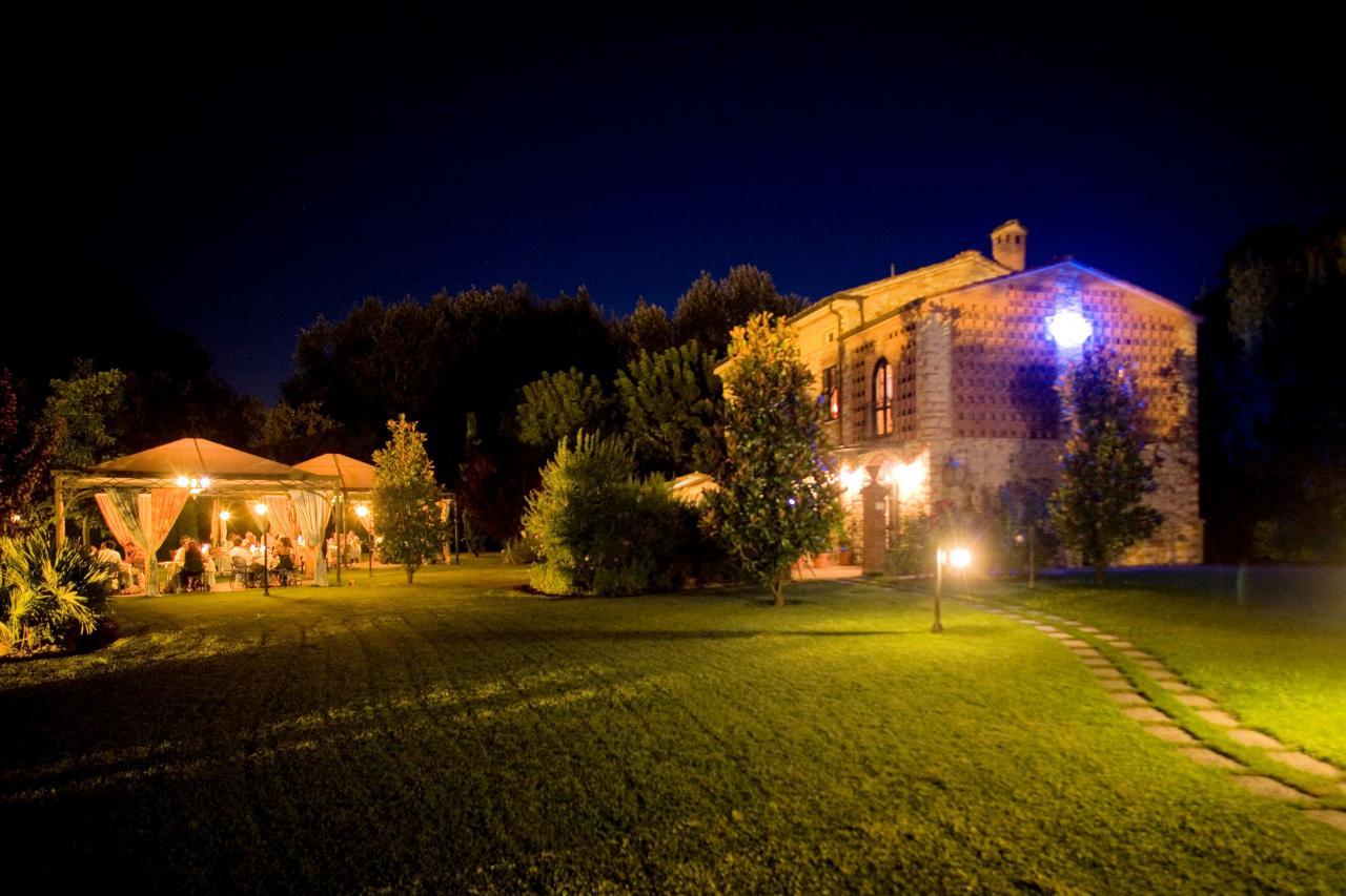 Rustico / Casale in vendita a Capannori, 10 locali, zona Zona: Marlia, prezzo € 950.000 | Cambio Casa.it