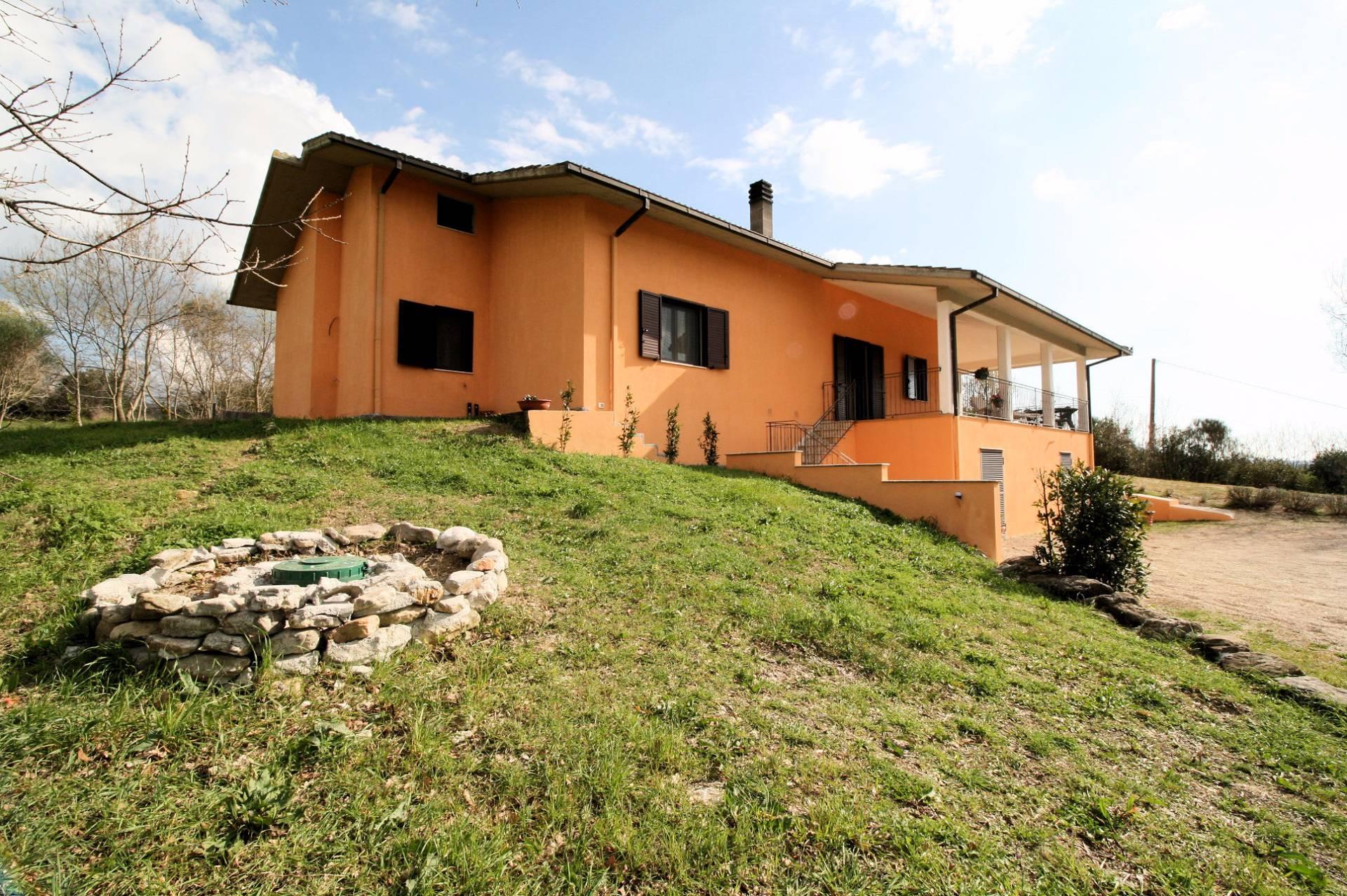 Villa in vendita a Manciano, 7 locali, zona Zona: Saturnia, prezzo € 400.000 | Cambio Casa.it