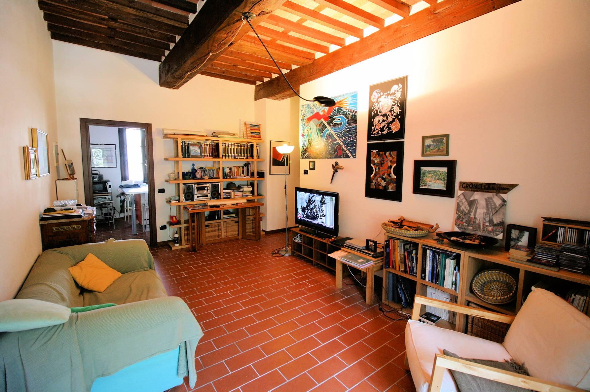 Appartamento in vendita a Massarosa, 5 locali, zona Zona: Quiesa, prezzo € 190.000 | Cambio Casa.it