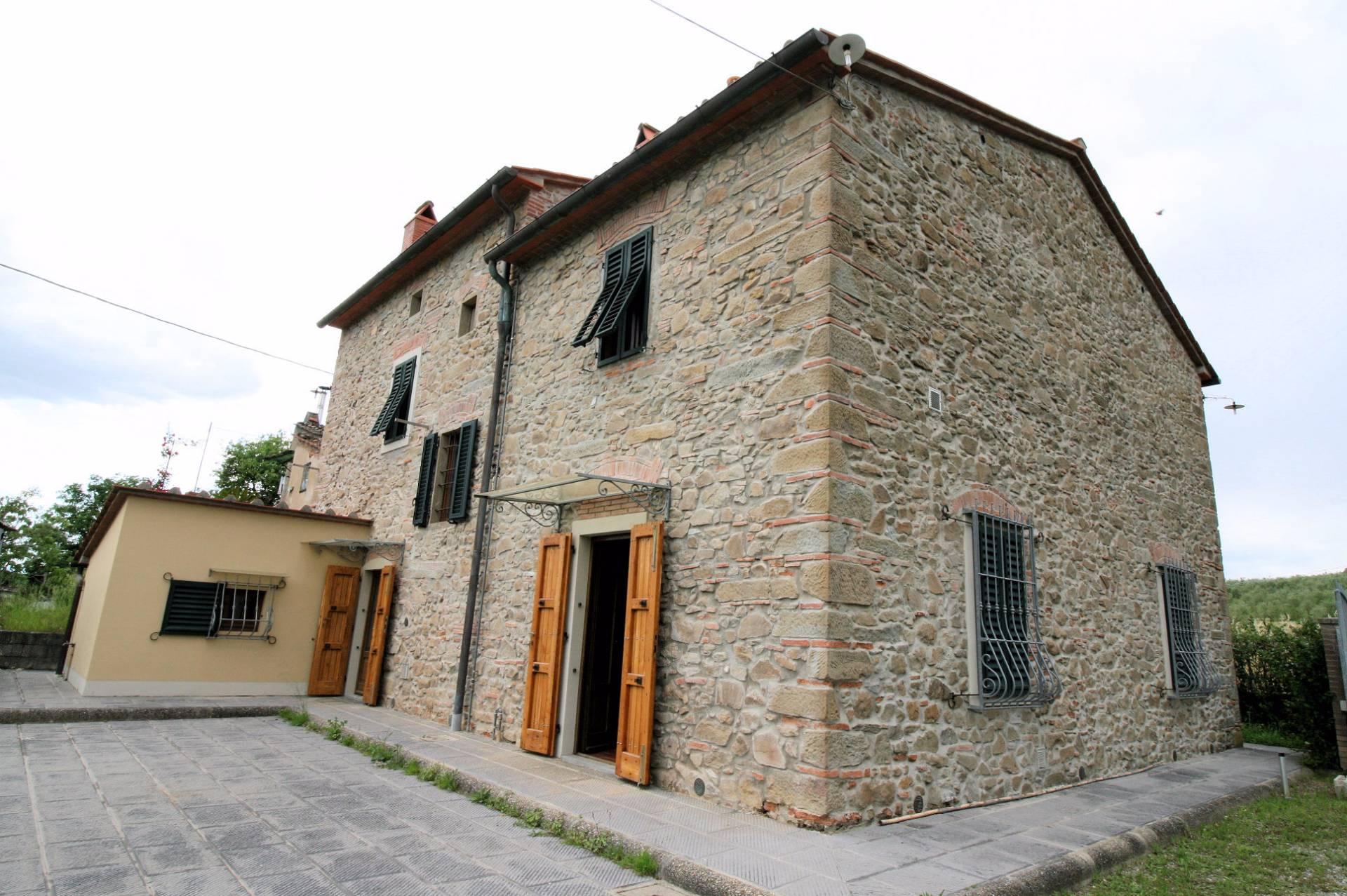 Rustico / Casale in vendita a Monsummano Terme, 7 locali, prezzo € 395.000 | Cambio Casa.it
