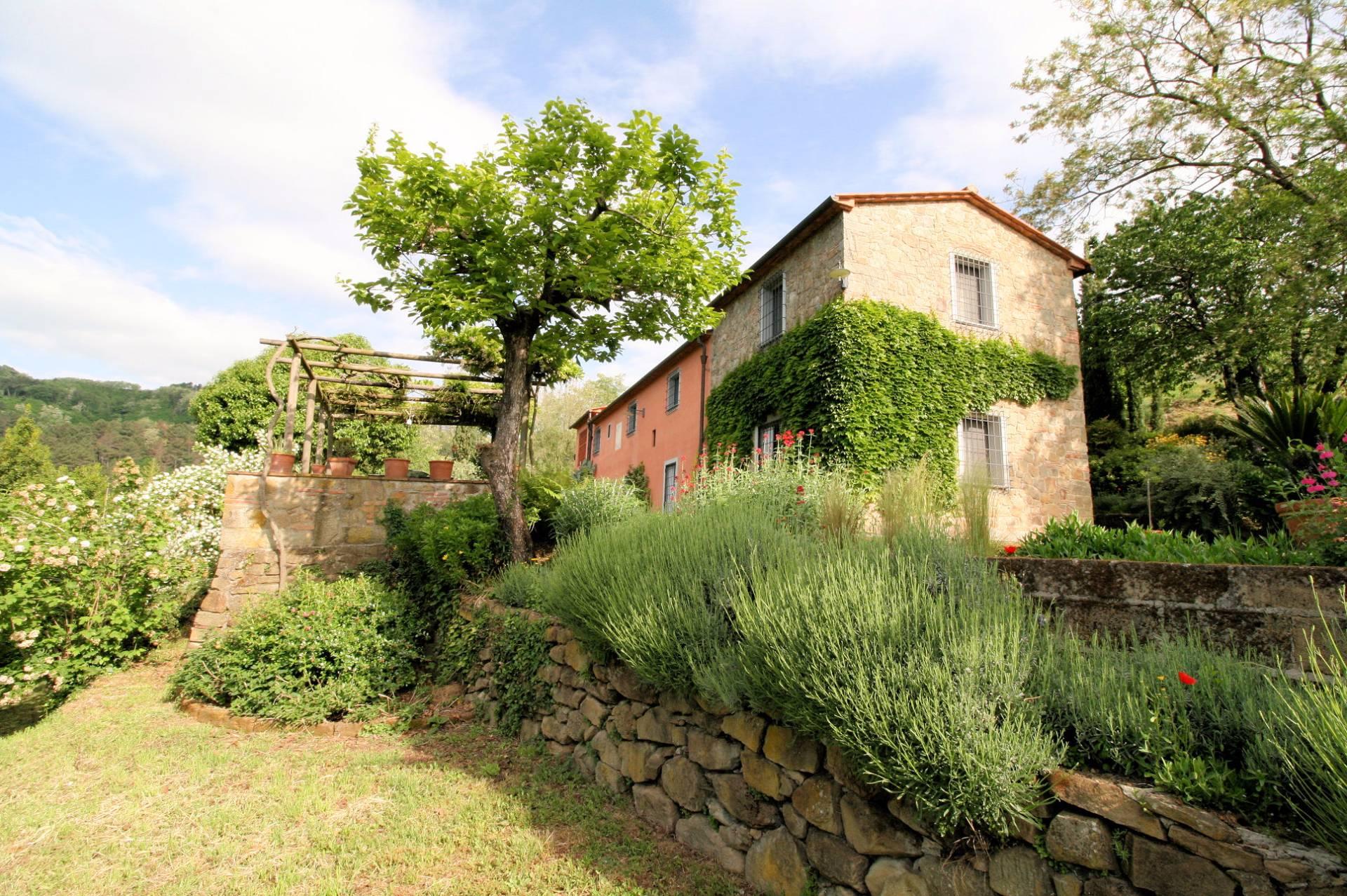 Rustico / Casale in vendita a Buggiano, 8 locali, prezzo € 790.000 | Cambio Casa.it