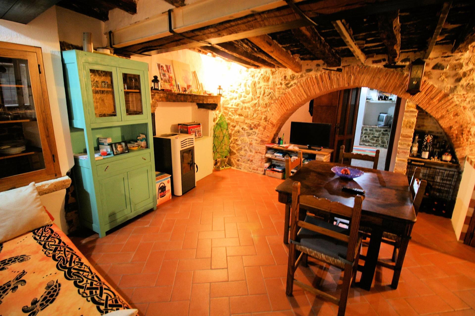 Appartamento in vendita a Manciano, 2 locali, zona Zona: Montemerano, prezzo € 125.000 | CambioCasa.it