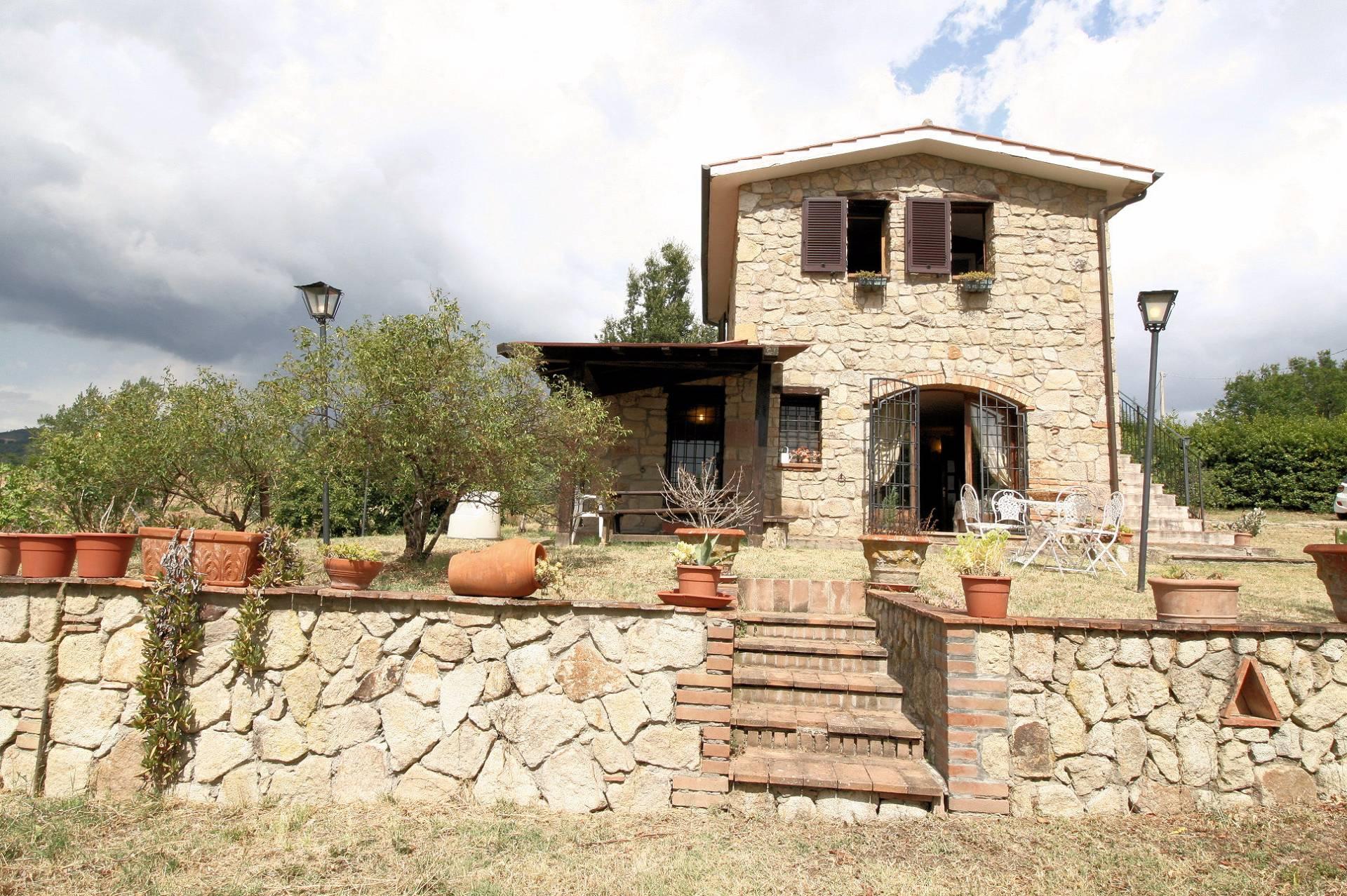 Rustico / Casale in vendita a Roccastrada, 3 locali, prezzo € 245.000 | CambioCasa.it