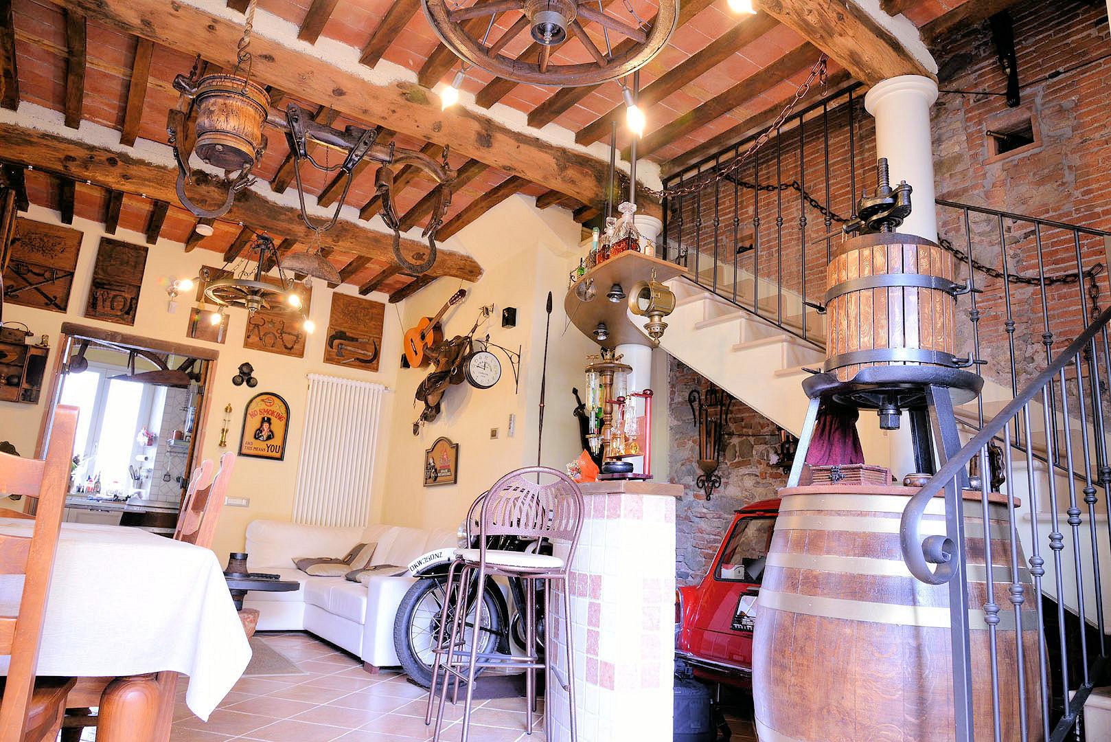 Rustico / Casale in vendita a Lucca, 5 locali, prezzo € 289.000 | Cambio Casa.it