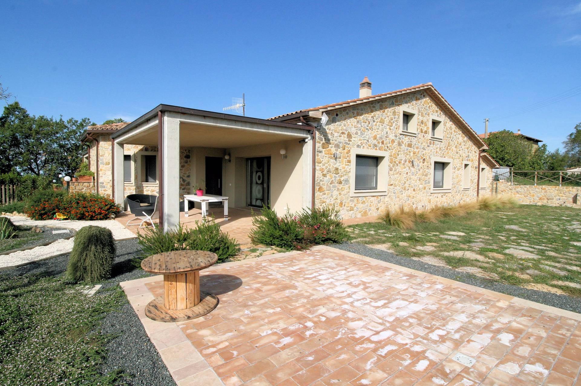Rustico / Casale in vendita a Manciano, 7 locali, prezzo € 435.000 | CambioCasa.it