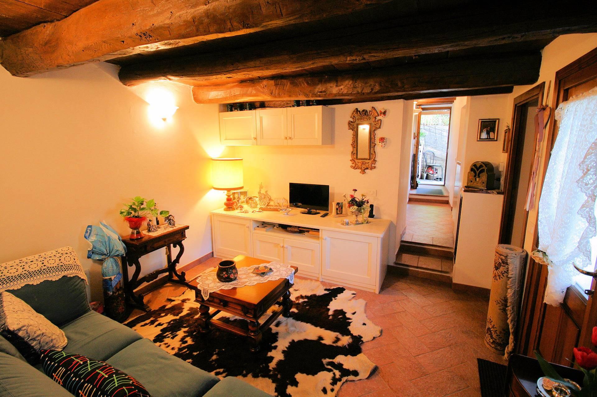 Appartamento in vendita a San Marcello Pistoiese, 3 locali, zona Zona: Lizzano, prezzo € 54.000 | Cambio Casa.it