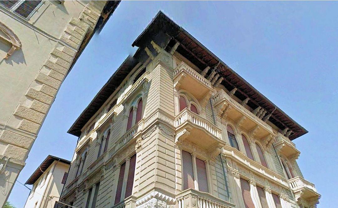 Appartamento in vendita a Lucca, 5 locali, Trattative riservate | Cambio Casa.it