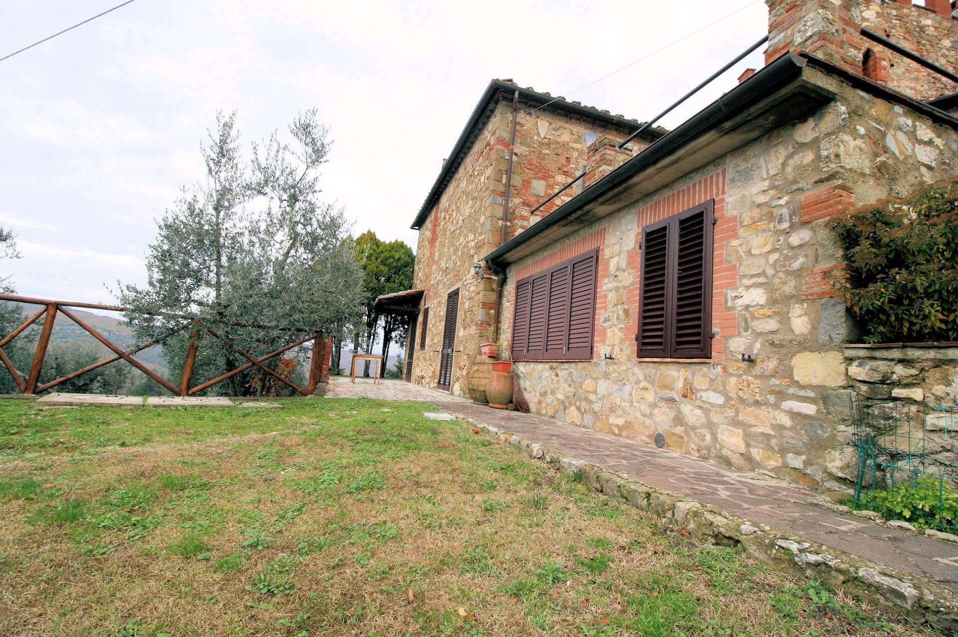 Rustici e casali in vendita a bucine - Casali antichi ristrutturati ...