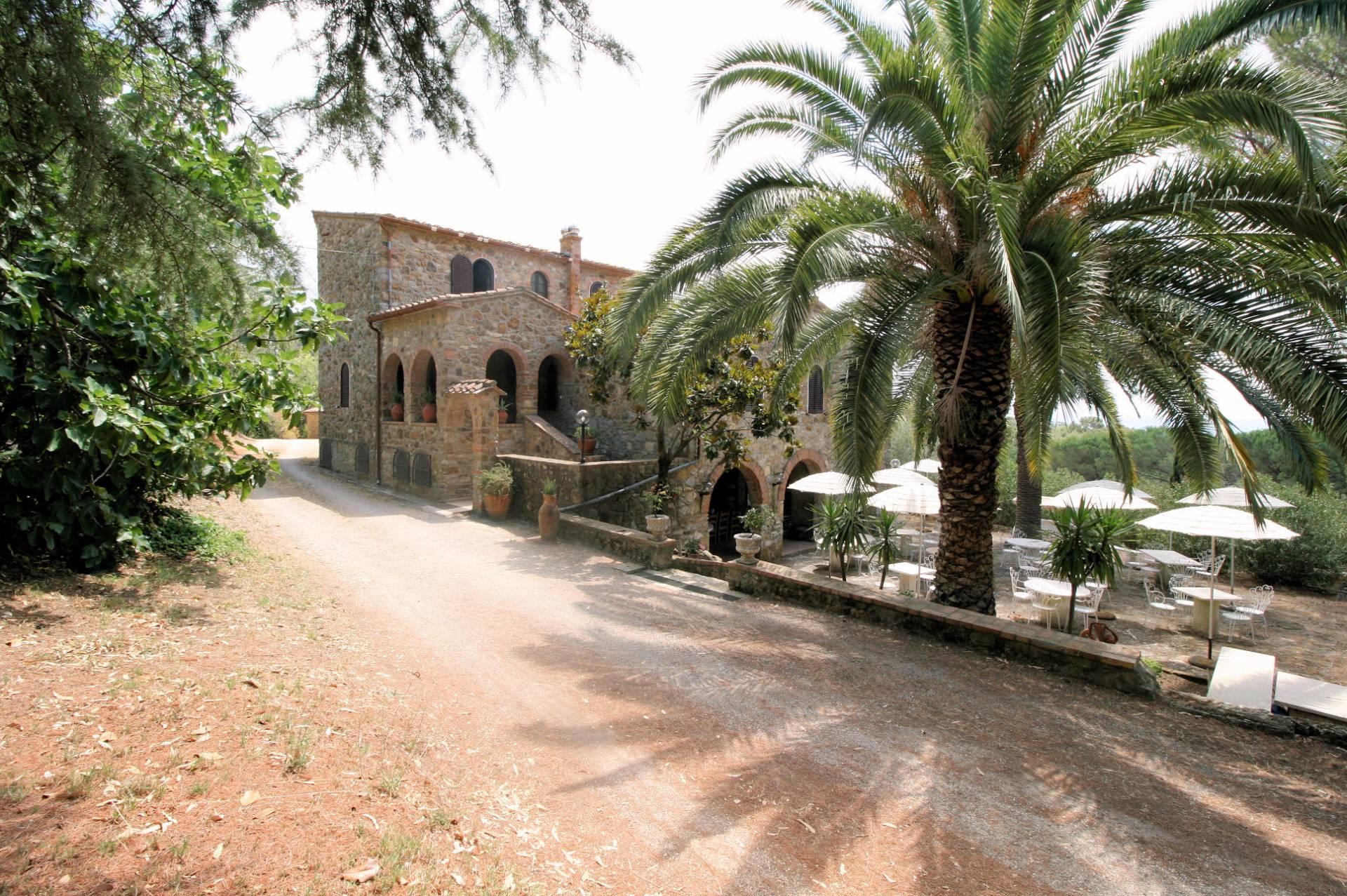 Rustico / Casale in vendita a Suvereto, 15 locali, prezzo € 1.200.000 | CambioCasa.it