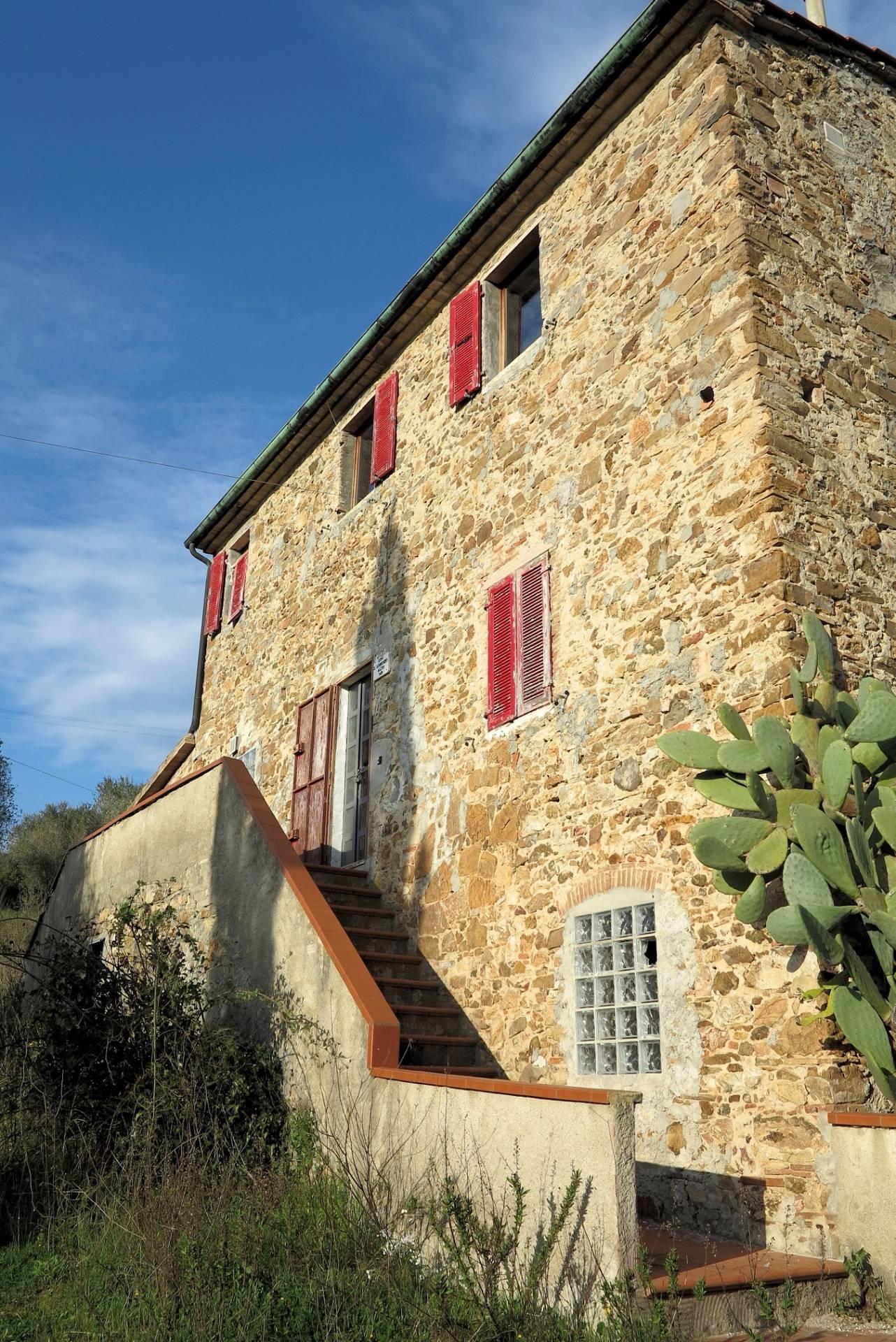 Rustico / Casale in vendita a Suvereto, 10 locali, zona Località: SanLorenzo, prezzo € 500.000 | CambioCasa.it
