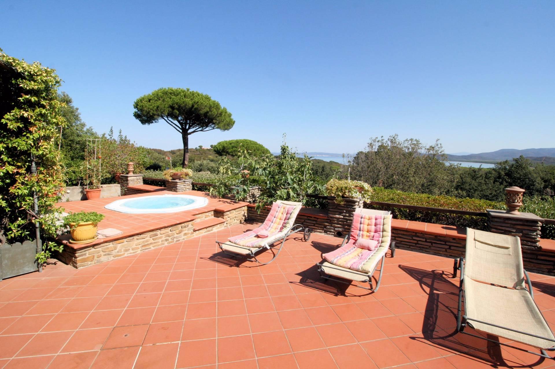 Villa in vendita a Castiglione della Pescaia, 4 locali, zona Località: PuntaAla, prezzo € 1.200.000 | CambioCasa.it