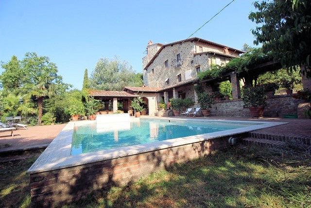 Rustico / Casale in vendita a Montecatini-Terme, 9 locali, prezzo € 1.500.000 | CambioCasa.it