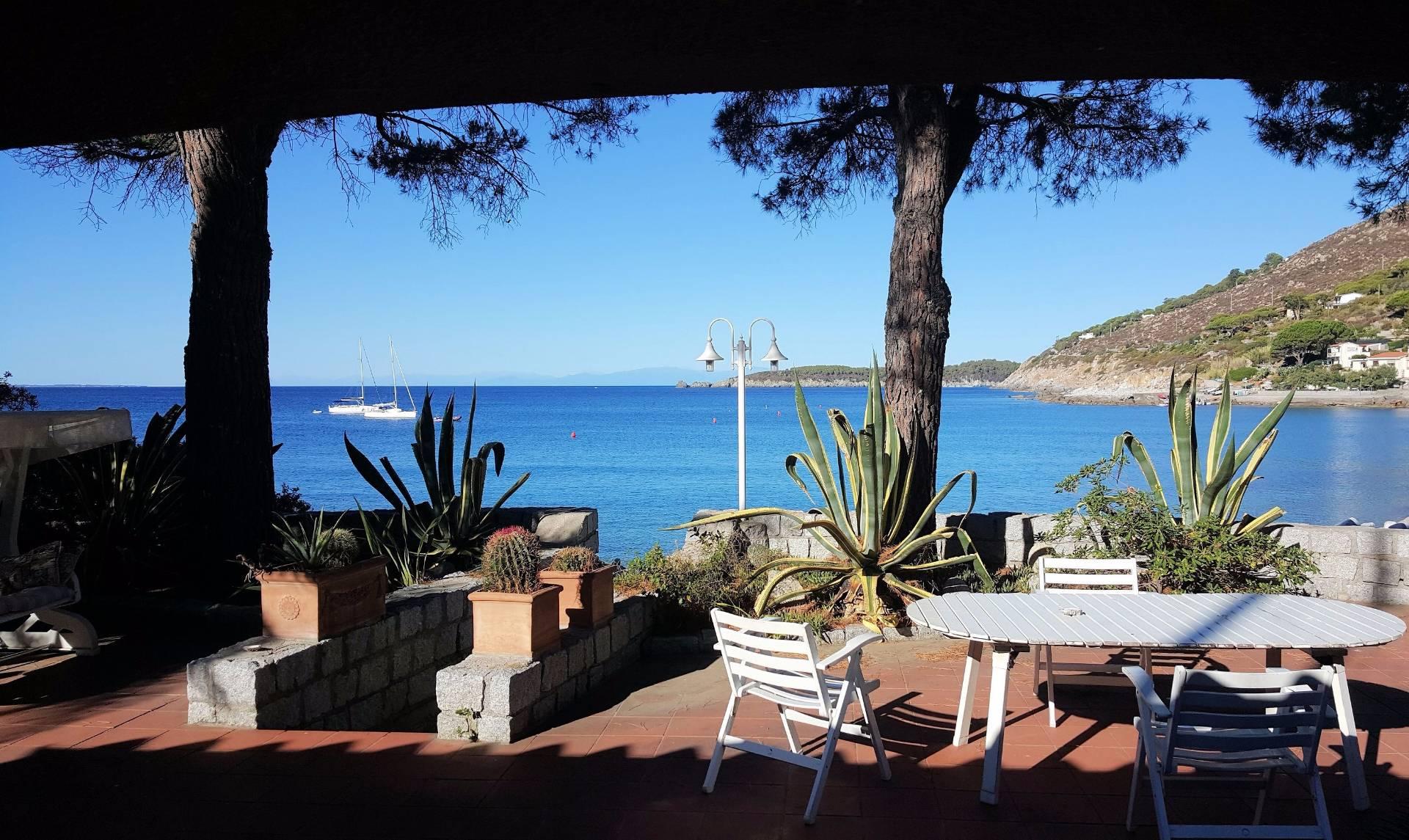 Villa in vendita a Campo nell'Elba, 5 locali, prezzo € 1.300.000 | CambioCasa.it