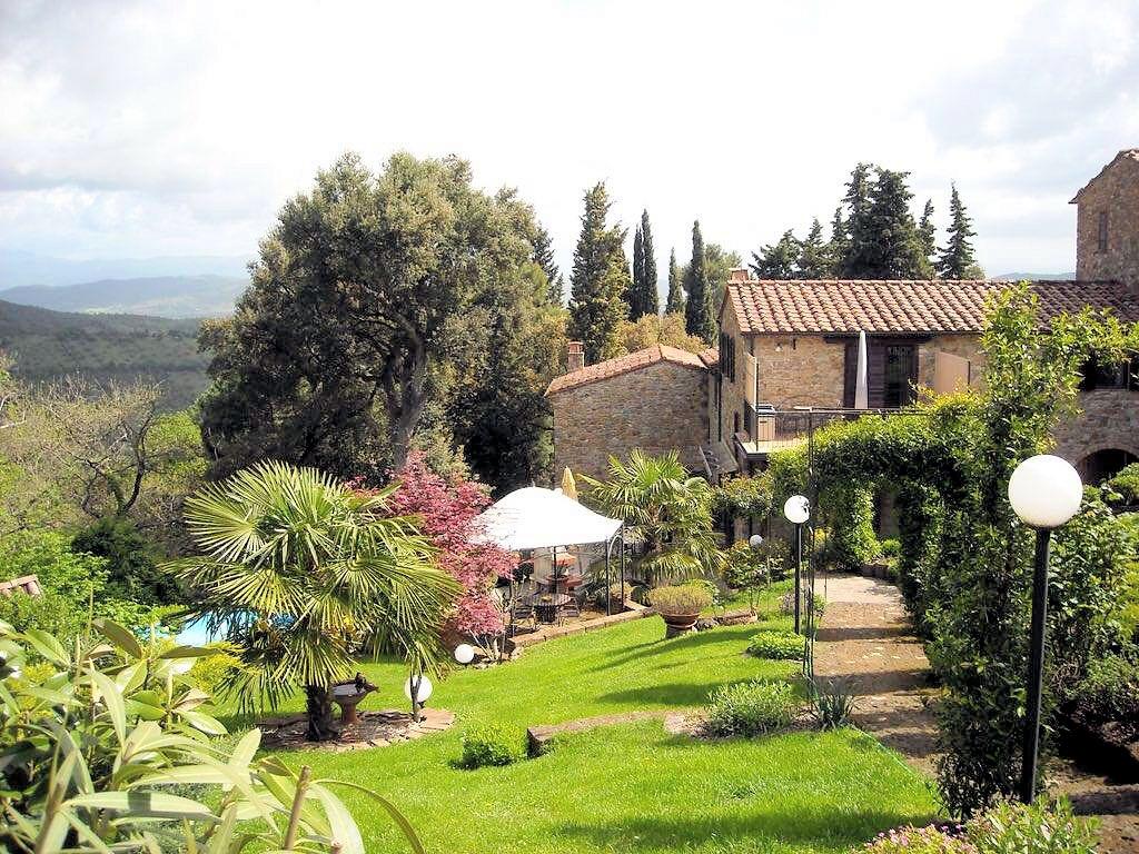 Rustico / Casale in vendita a Gavorrano, 6 locali, prezzo € 420.000 | CambioCasa.it