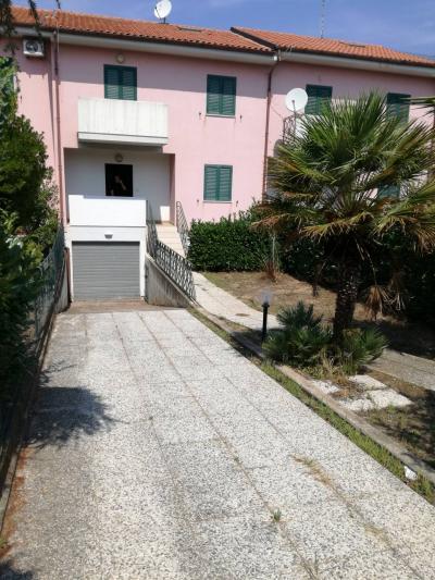 Vai alla scheda: Villa a schiera Vendita San Giacomo degli Schiavoni
