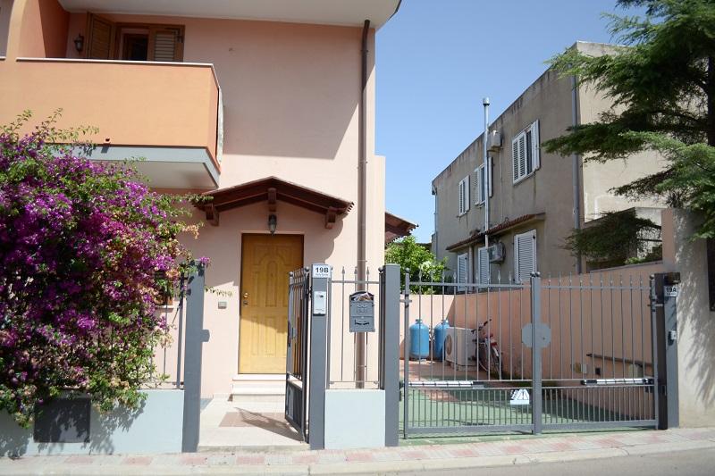 Bilocale Cagliari Via Is Corrias 1