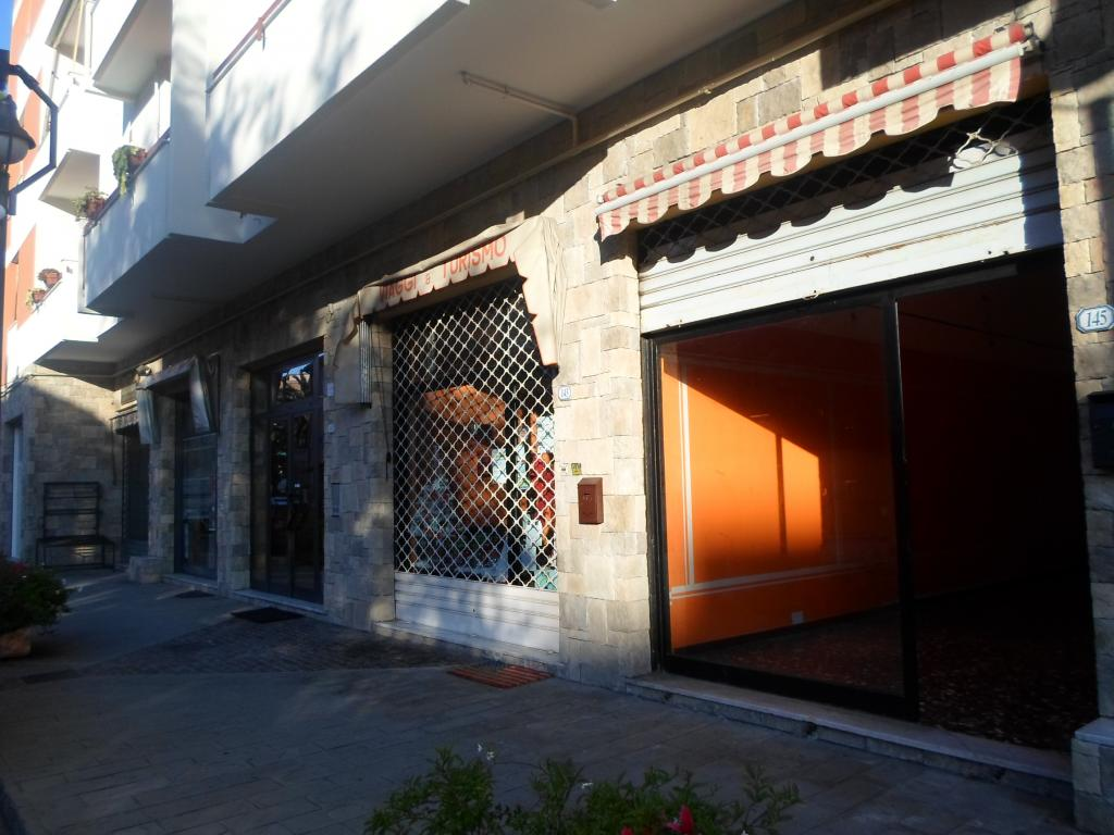 Ufficio / Studio in affitto a Borgio Verezzi, 9999 locali, zona Zona: Borgio, prezzo € 500 | Cambio Casa.it