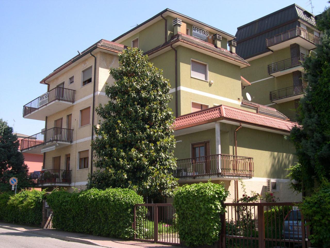 Appartamento affitto Opera (MI) - 4 LOCALI - 120 MQ