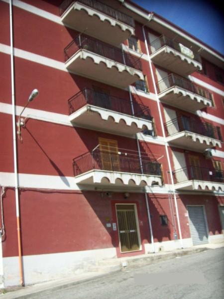 Appartamento in vendita a Crosia, 3 locali, zona Zona: Mirto, prezzo € 55.000 | Cambio Casa.it