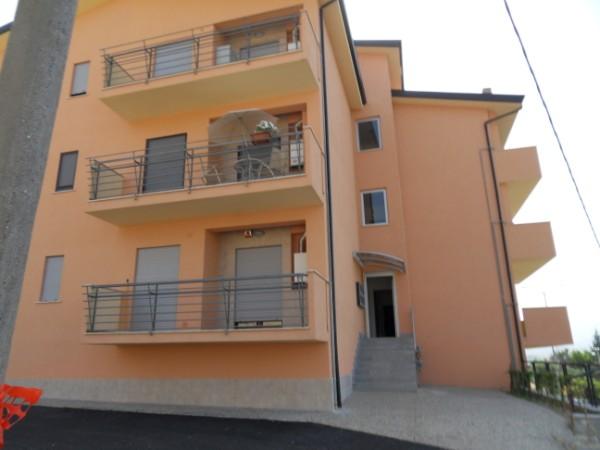 Appartamento in vendita a Zumpano, 4 locali, zona Zona: Mennavence, prezzo € 110.000 | Cambio Casa.it
