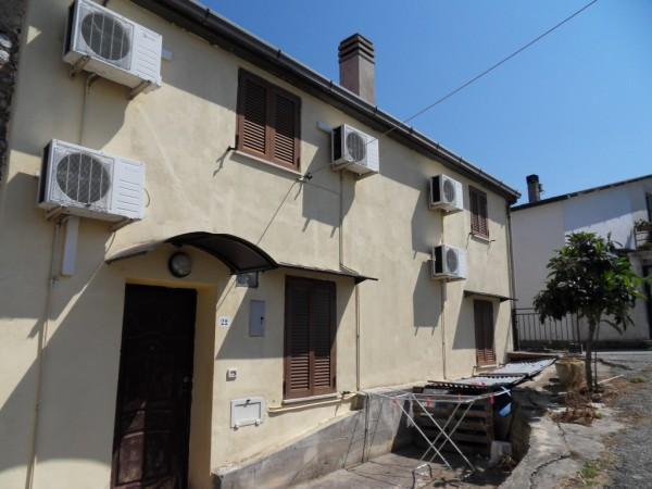 Soluzione Indipendente in vendita a Rende, 10 locali, zona Zona: Quattromiglia, prezzo € 110.000 | Cambio Casa.it