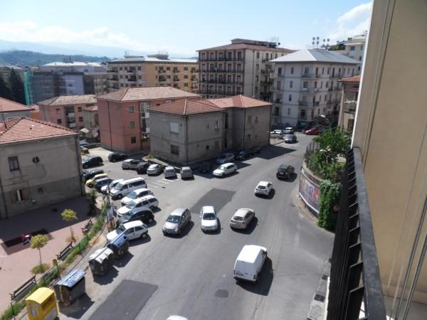 Appartamento in vendita a Cosenza, 5 locali, prezzo € 79.000 | CambioCasa.it
