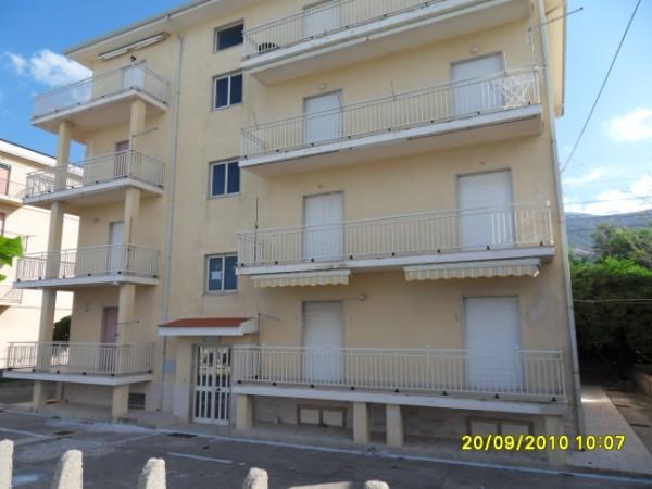 Appartamento in vendita a Fuscaldo, 4 locali, zona Località: MarinadiFuscaldo, prezzo € 39.000 | Cambio Casa.it