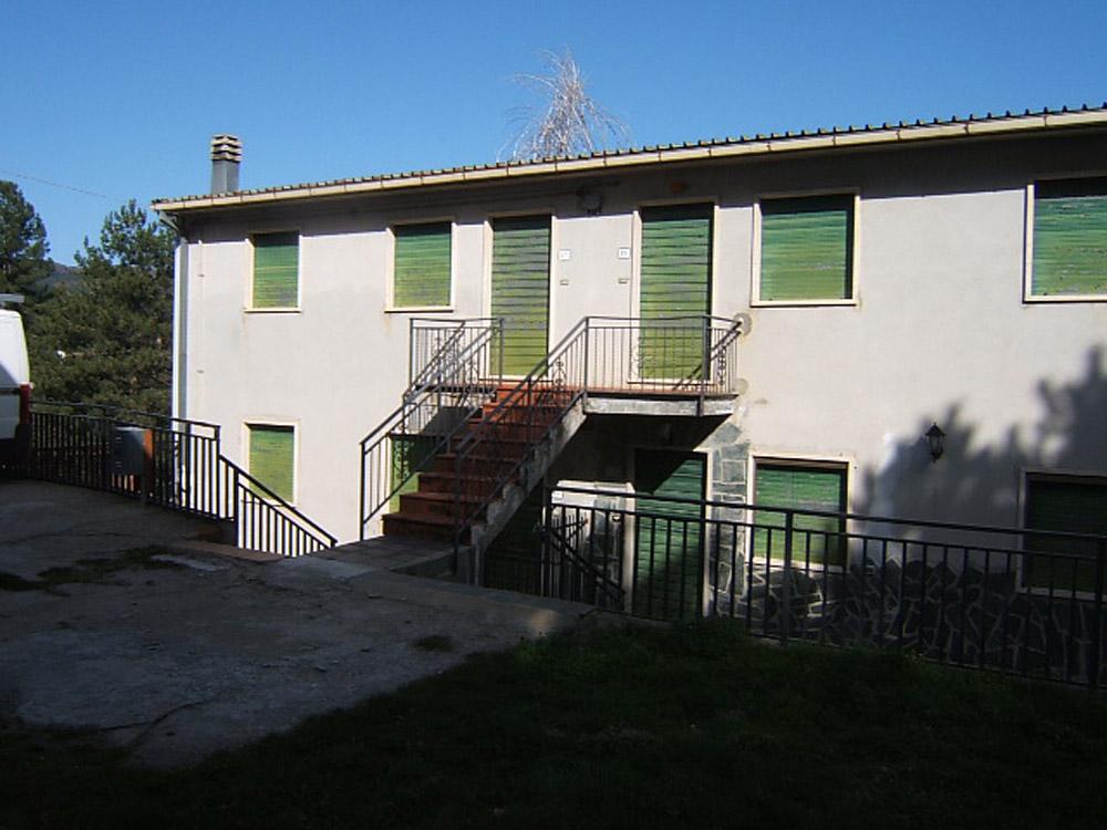 Appartamento in vendita a Spezzano della Sila, 4 locali, zona Località: CamigliatelloSilano, prezzo € 53.000 | Cambio Casa.it