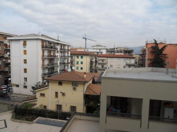 Appartamento in vendita a Cosenza, 5 locali, prezzo € 90.000 | Cambio Casa.it